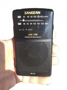 Mit einfachem Taschenradio Dirty Power aufspüren